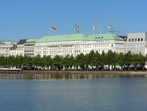 Fotos Binnenalster In Hamburg Mit Bildergalerie Hotel Vier Jahreszeiten
