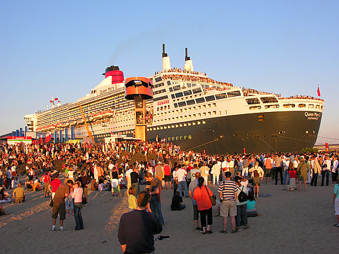 Foto Queen Mary 2 - Volksfest